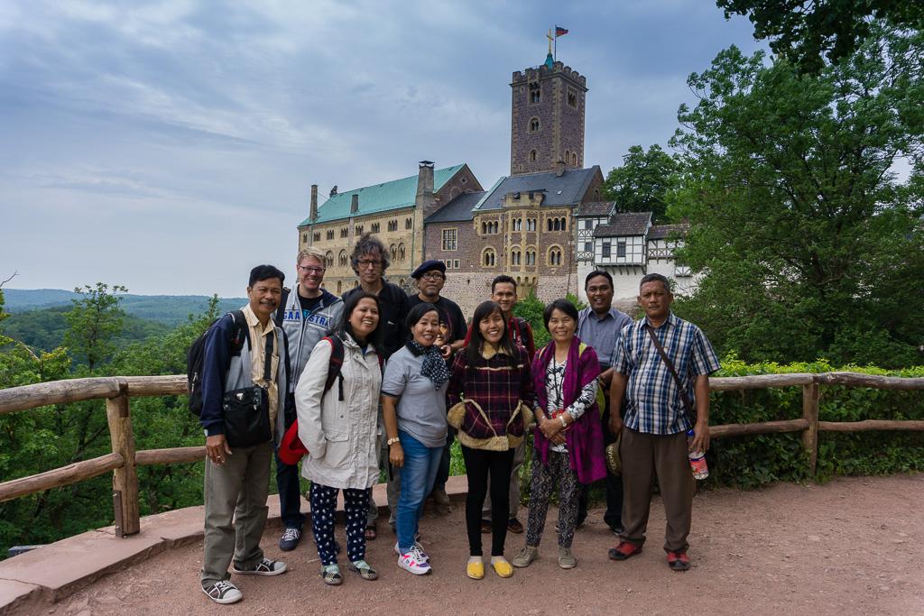 Gruppenfoto vor der Wartburg