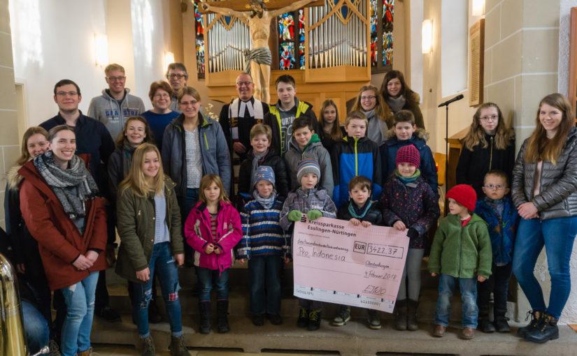 Spenden bei der Christbaumsammlung in Oberboihingen gehen an pro.indonesia